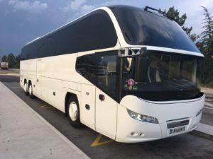 Demiro Voyages notre autocar Neoplan